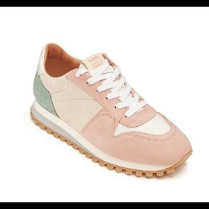 Closed Pastel Runners